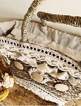 Grand panier en osier pompons gypsy - Boutique l'ananas