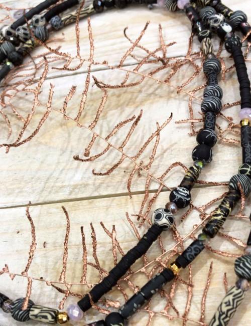Long Collier sautoir perles de gomme noir - Boutique l'ananas