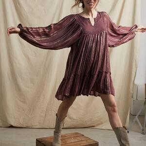 De toute beauté.. cette robe 🥰✨ La nouvelle collection est en ligne !  #robeboheme #bohemestyle #bohovibes #ibizastyle #hippiechic #boheme #bordeaux #robebordeaux #ootd #outfit