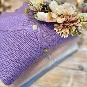 Nos jolies mailles lilas 💜💕 Veste ou pull en mohair sont à 56€ ! www.boutique-lananas.com   #maille #mohair #maillelilas #lilas #lilasaddict #bordeaux #boutiquelananas #maillemohair #boheme #mailleboheme