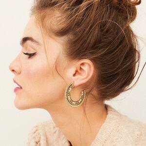 Ces belles boucles sont disponibles dès maintenant sur www.boutique-lananas.com.  Bonne soirée les nanas 🍍✨  #bouclesdoreilles #bijoux #boheme #boutiquelananas #bordeaux #ootd #outfit